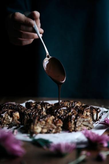 Peanut+Butter+%26+Dark+Chocolate+Granola+Bars++%7C++Gather+%26+Feast