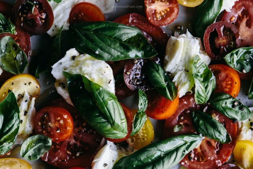 Torn+Buffalo+Mozzarella+with+Tomato+%26+Fresh+Basil++%7C++Gather+%26+Feast